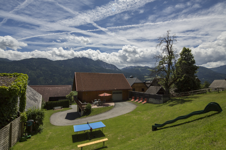 Ferienwohnung Waldner Sitzplatz Blick Nassfeld