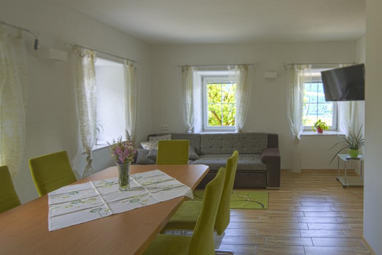 Ferienwohnung Waldner Ess-Wohnzimmer