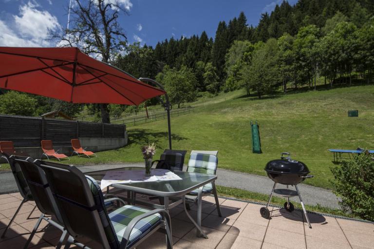 Ferienwohnung Waldner Sitzplatz mit Grillmöglichkeit